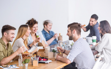 How-To-Organize-A-Successful-Team-Building-Lunch