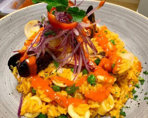 arroz con mariscos meal
