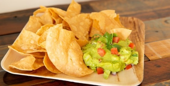 Fresh Guacamole & Homestyle Chips