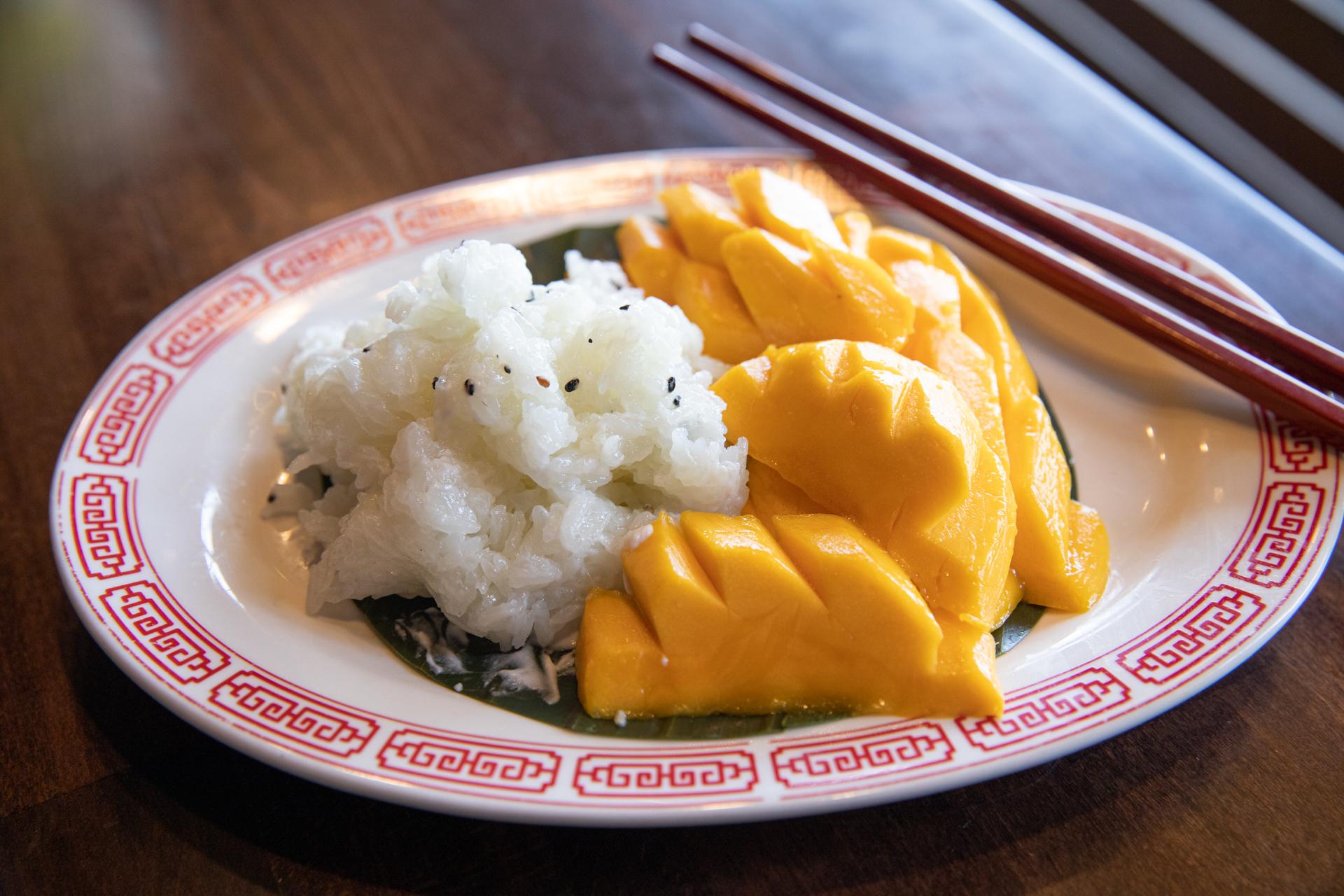 Sweet Sticky Rice with Mango