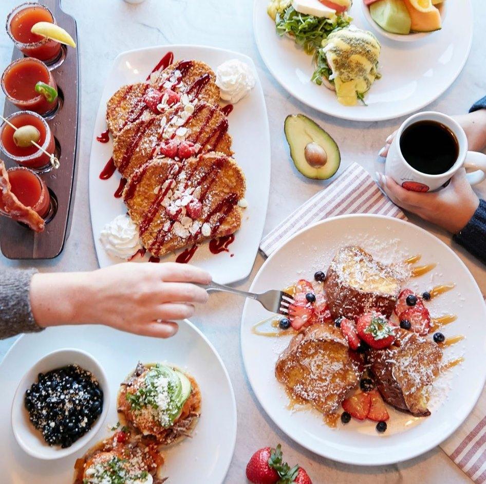 Broken Yolk Cafe Del Mar catering