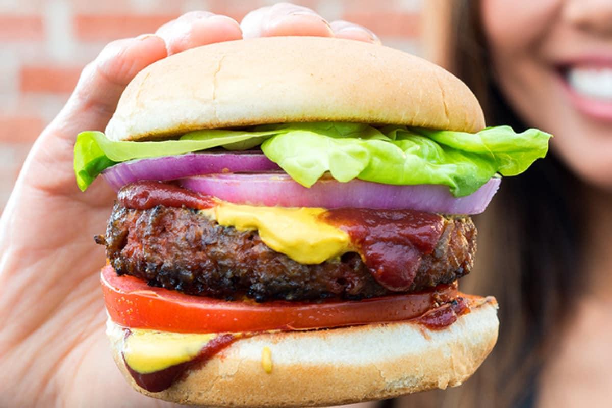 Yalla Burgers & Wings Austin catering